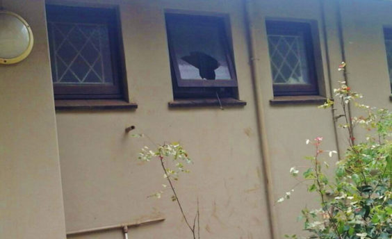 Burglars climb up flower pot to gain entry to Kloof home