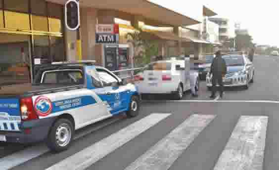 Law enforcement officers swoop swiftly on suspected hijacker